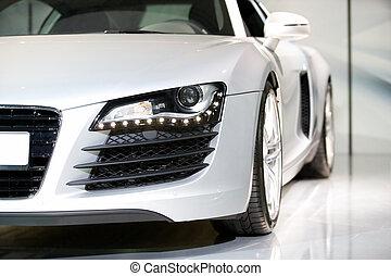 Un auto deportivo alemán de lujo