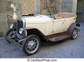 Un auto viejo