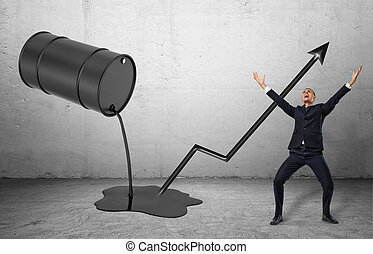 Un barril inclinado con líquido negro saliendo de él y un feliz hombre de negocios en una pose de celebración