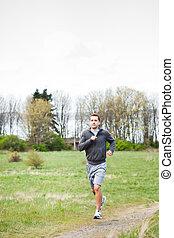 Un corredor mixto corriendo