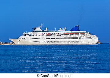 Un crucero de pasajeros