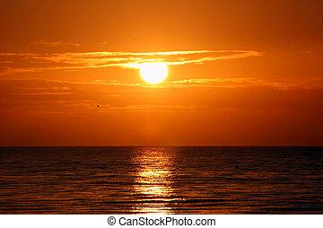 Un hermoso amanecer en la isla de Sanbel