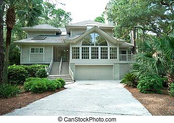 Un hogar familiar único caro y moderno en una comunidad cerrada, Hilton Head, Carolina del Sur.