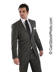 Un hombre elegante y guapo con traje