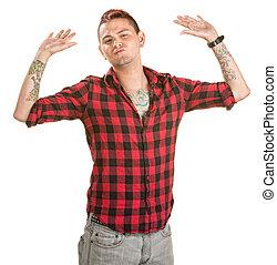 Un hombre frustrado con las manos en alto