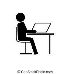 Un hombre sentado en la mesa de negro sobre un fondo blanco.