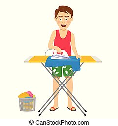 Un joven hombre feliz planchando su ropa en una tabla de planchar en casa