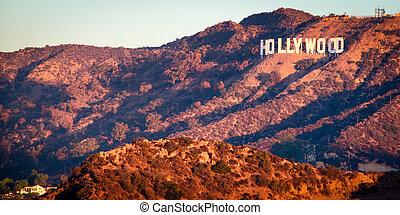 Un letrero de Hollywood del observatorio Griffith