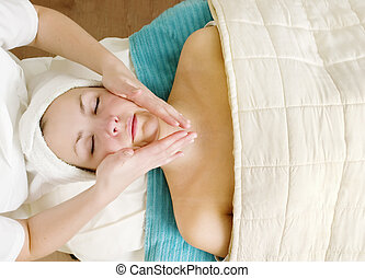 Un masaje facial