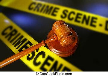 Un mazo legal y una cinta policial