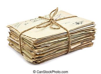 Un montón de cartas viejas