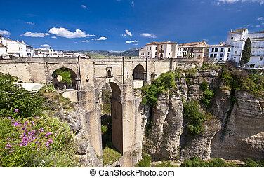 Un nuevo puente en Berlusconi, ylucia, España
