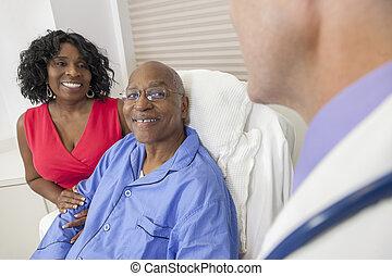 Un paciente afroamericano veterano en la cama del hospital
