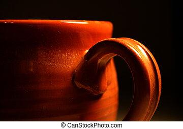 Un primer plano de una taza