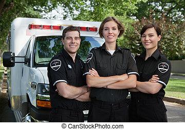 Un retrato del equipo médico de emergencia