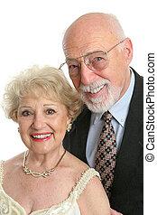 Un retrato elegante de ancianos
