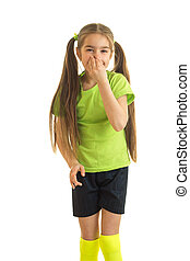 Un retrato encantador de una niña con colas largas