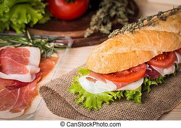 Un sándwich de baguette fresca