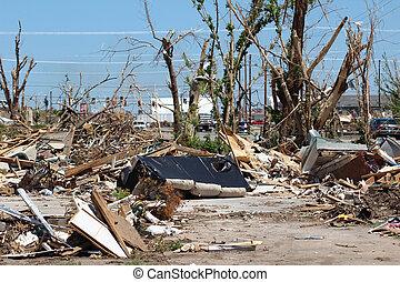 Un tornado daña el paisaje