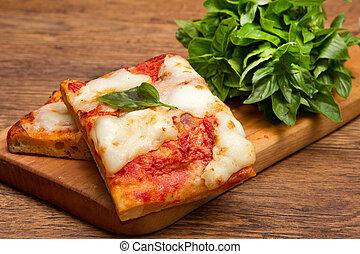 Un trozo de pizza