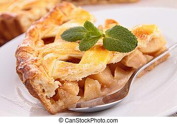 Un trozo de tarta de manzana