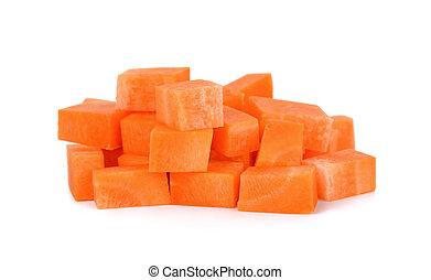 Un trozo de zanahoria aislado en el fondo blanco