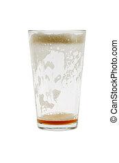 Un vaso de cerveza vacío