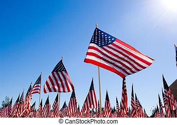 Una bandera americana en honor a los veteranos