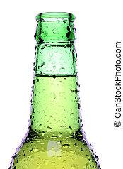 Una botella de cerveza aislada