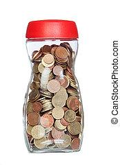 Una botella de cristal llena de monedas