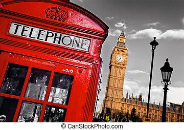 Una cabina de teléfono rojo y un ben en Londres, Inglaterra, el Reino Unido