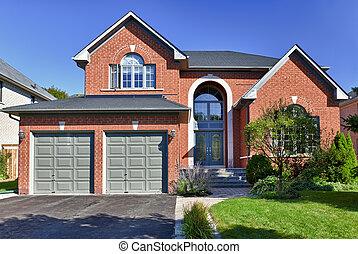Una casa suburbana separada