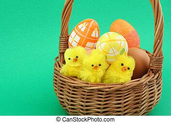 Una cesta de Pascua en el gre