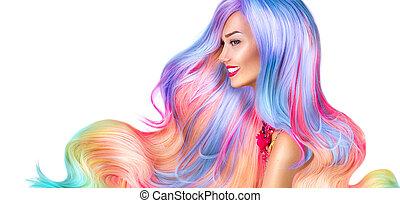 Una chica modelo de belleza con cabello colorido