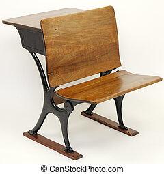 Una combinación de sillas de mesa anticuario