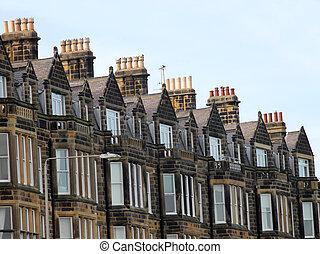 Una fila de casas victorianas