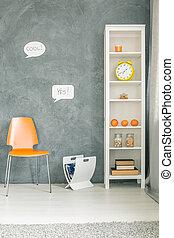 Una habitación cómoda con muebles blancos