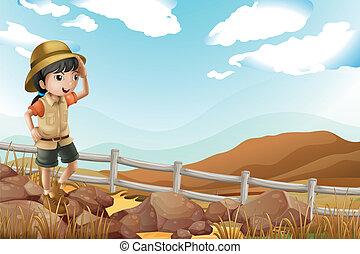 Una joven exploradora caminando sola