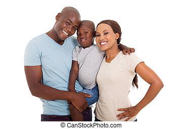 Una joven familia afroamericana