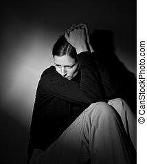 Una joven que sufre de una severa depresión/ ansiedad