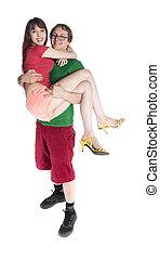 Una joven y dulce pareja, un hombre llevando a su mujer