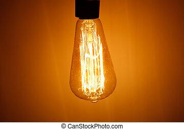 Una lámpara con luz caliente