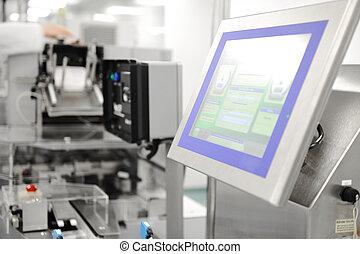 Una línea de producción automática en la fábrica moderna