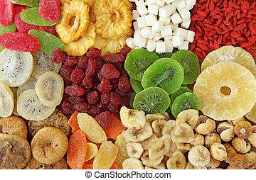 Una mezcla de frutas secas