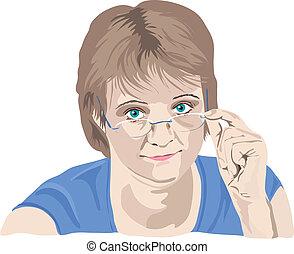 Una mujer madura mirando por encima de sus gafas con dedos en las gafas