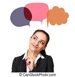 Una mujer pensante con burbujas coloridas sobre la cabeza