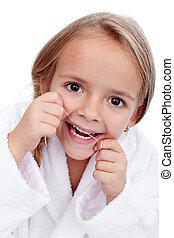Una niña flojeando