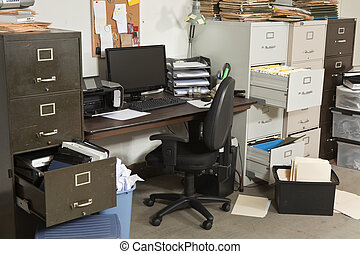 Una oficina muy desordenada