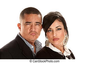 Una pareja hispana