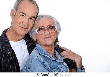 Una pareja mayor